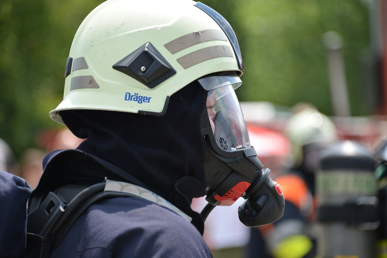 is titanium dioxide hazardous - blog banner